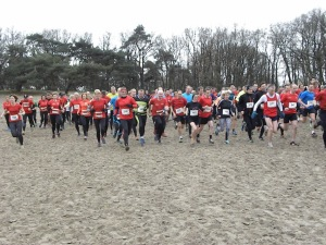 De start van de cross. (foto Toontje)
